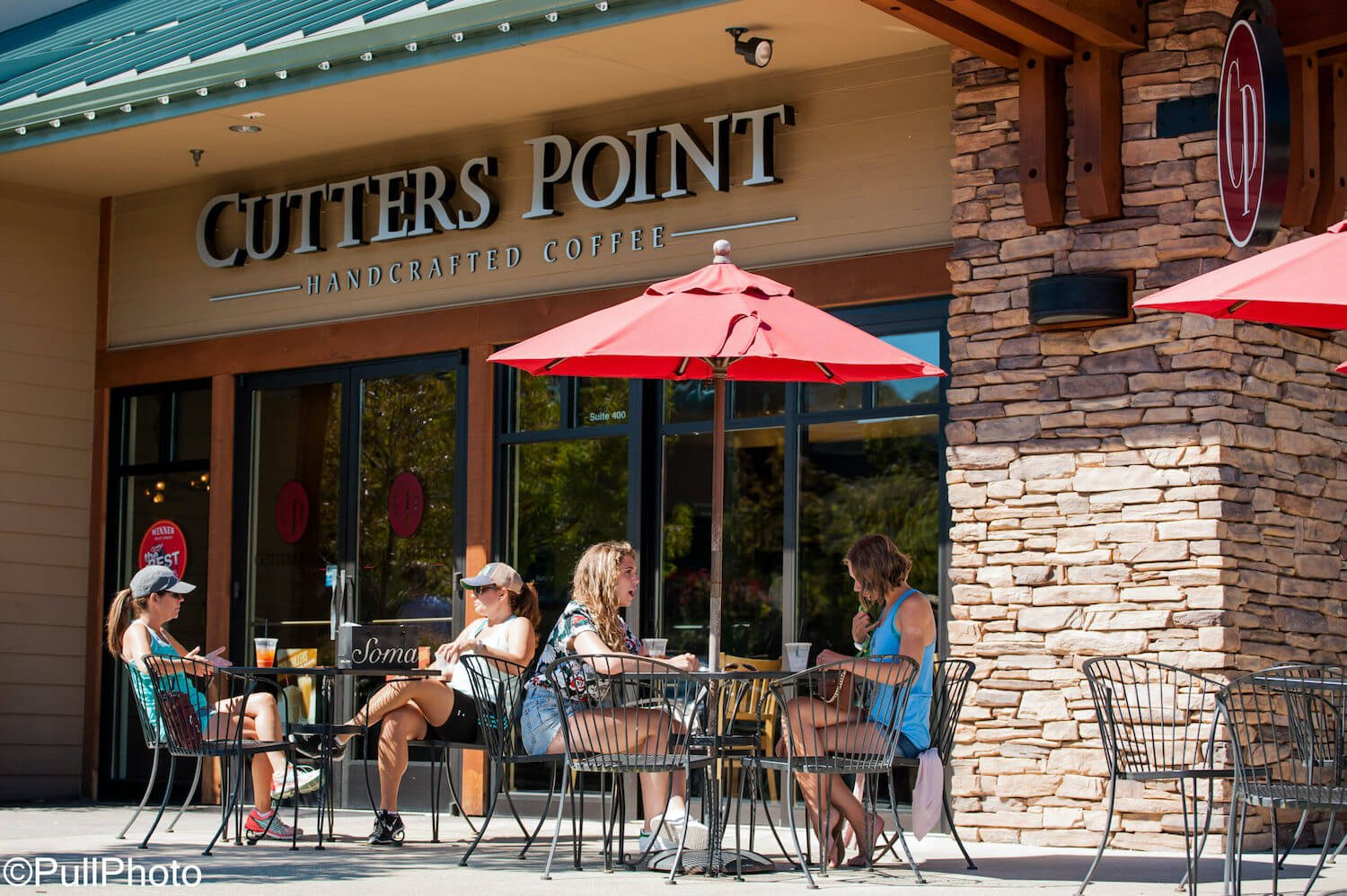 Women sitting at Cutters Coffee at Uptown Gig Harbor